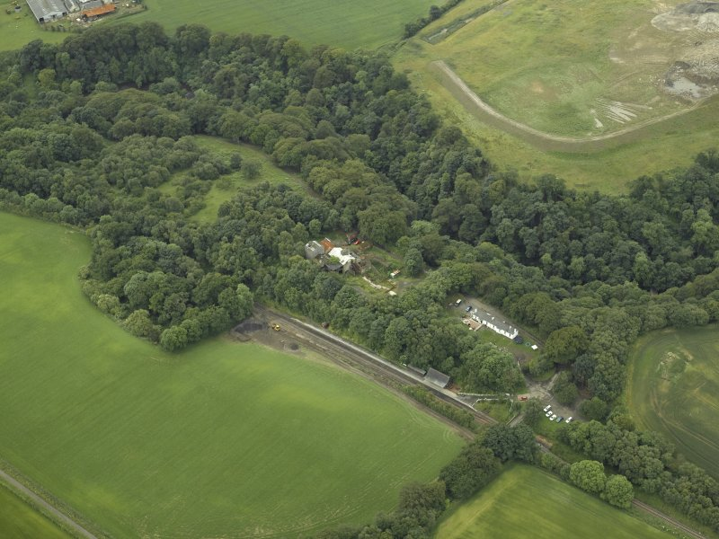 Oblique aerial view centred on the mine, taken from the SW.