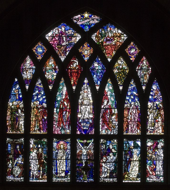 Interior. Chancel E Stained glass window by Douglas Strachan dated 1914 of Christ in Glory