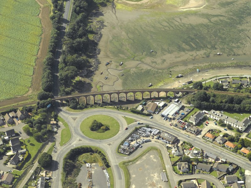 Oblique aerial view centred on the viaduct, taken from the NE.