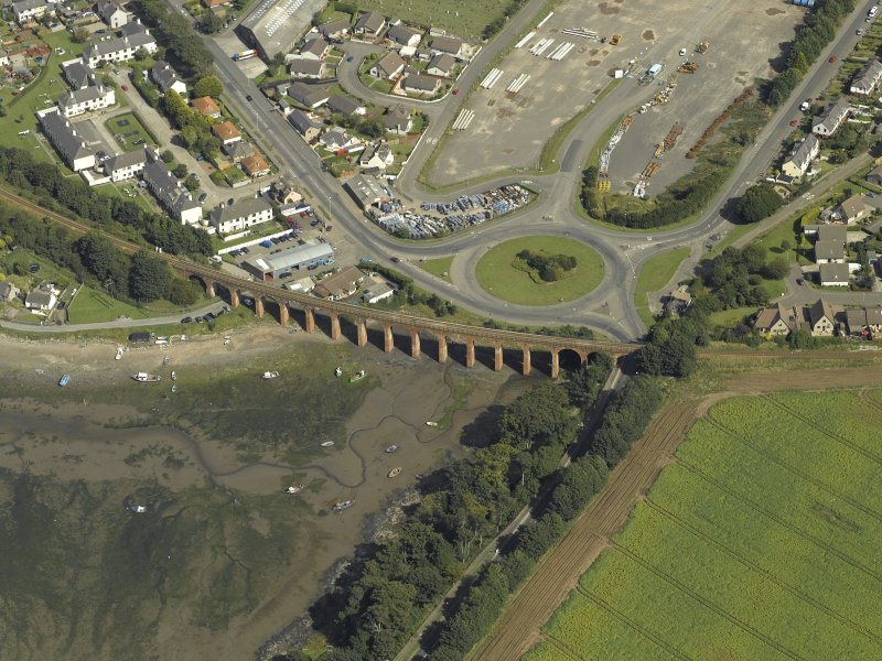 Oblique aerial view centred on the viaduct, taken from the SW.