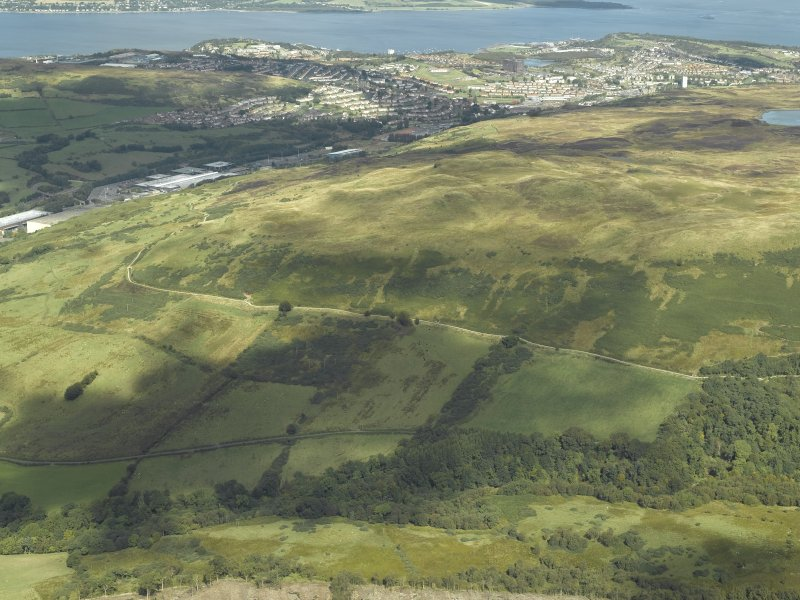 General oblique aerial view centred on Greenock Cut, taken from the S.