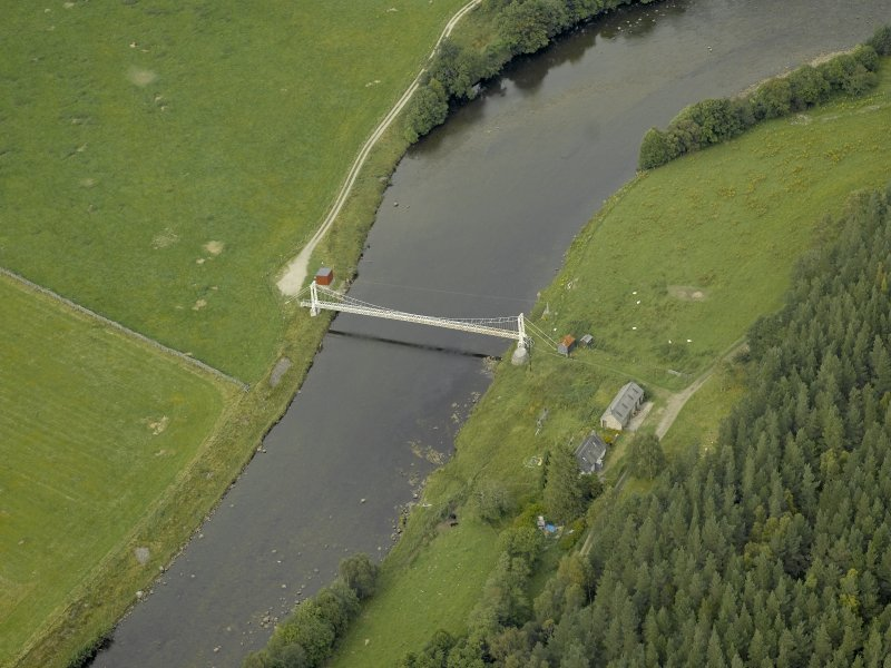 Oblique aerial view centred on the suspension bridge, taken from the SSW.
