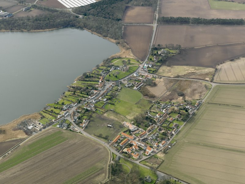 General oblique aerial view centred on the villages, taken from the NE.