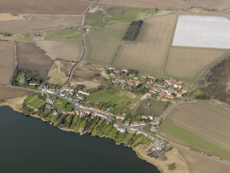 General oblique aerial view centred on the villages, taken from the SSE.