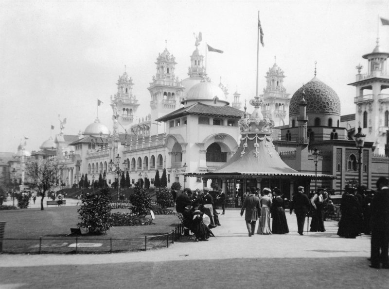 Digital copy of photograph of exhibition buildings at the Glasgow International Exhibition in 1901.
