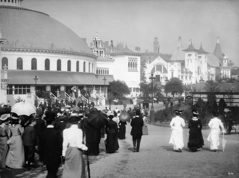 Digital copy of photograph of exhibition buildings taken during the Glasgow International Exhibition in 1901.