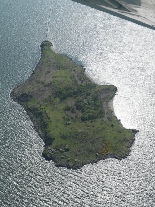 General oblique aerial view centred on the Island, taken from the NNE.
