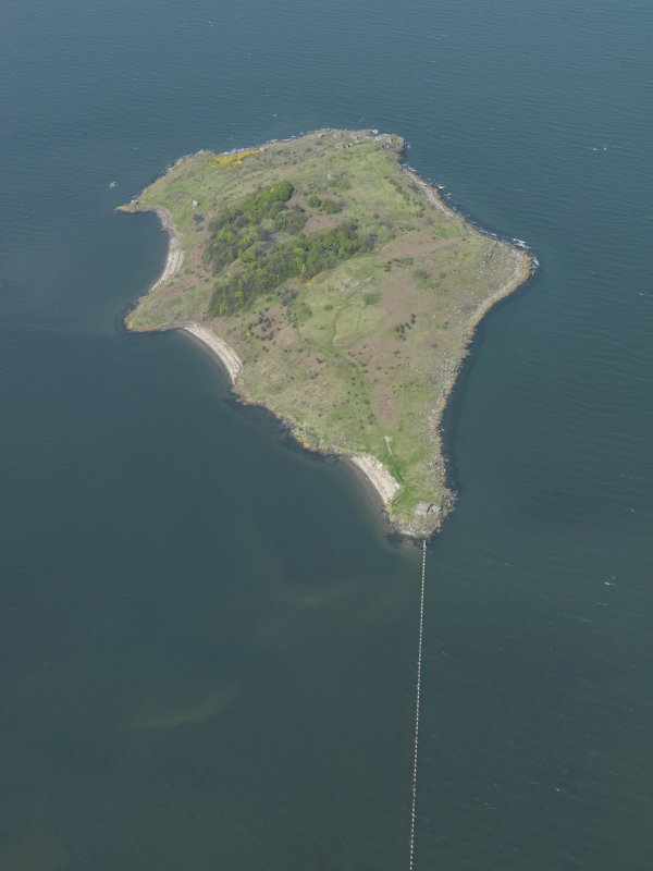General oblique aerial view centred on the Island, taken from the SW.