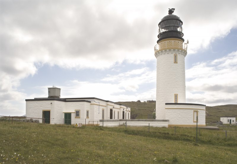 View from NWE of the lighthouse and the lighthouse keepers' cottages.