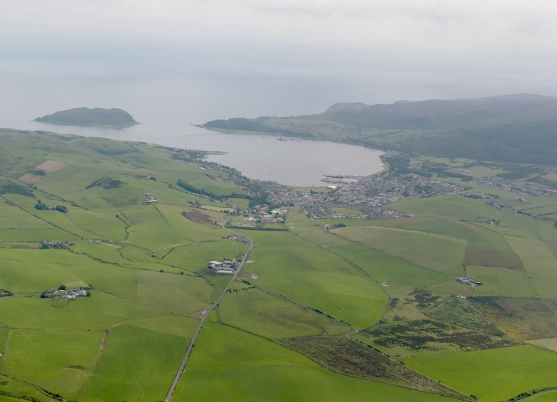 General oblique aerial view looking towards Campbeltown, taken from the NW.