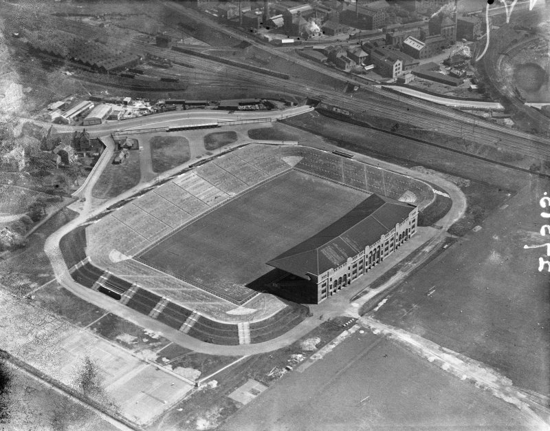 Edinburgh, Murrayfield Stadium, oblique aerial view. This stadium has since been demolished.