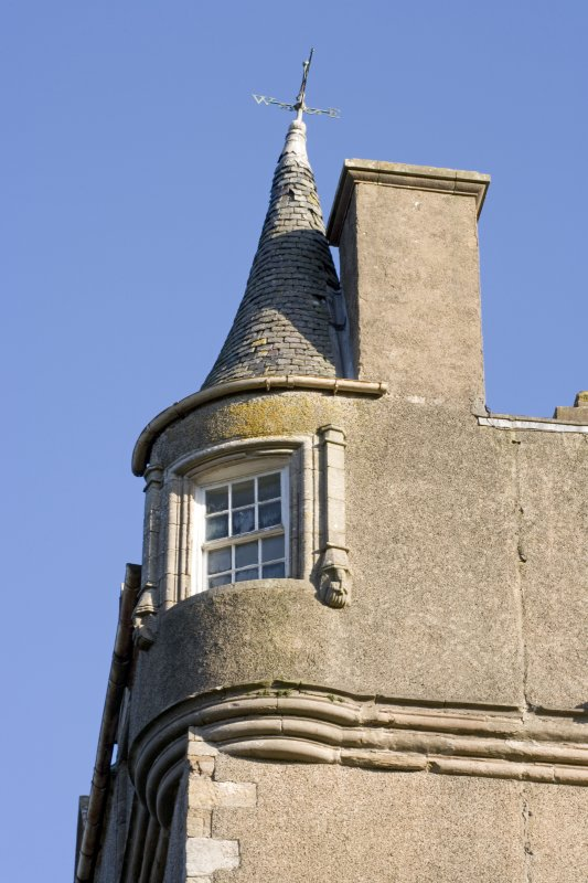 Tower. West Corner. Upper level.  Detail