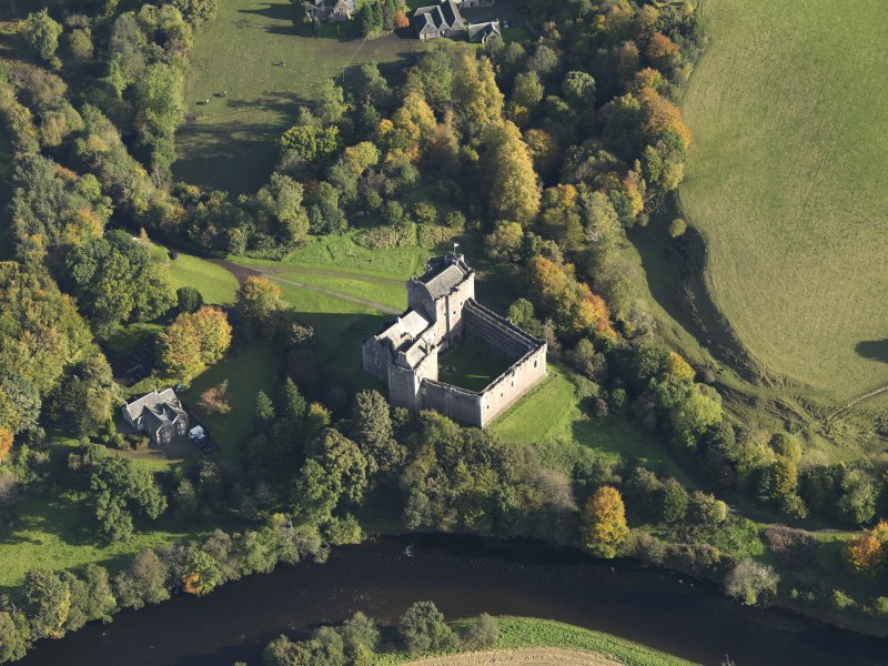 Oblique aerial view centred on the Castle, taken from the SW.