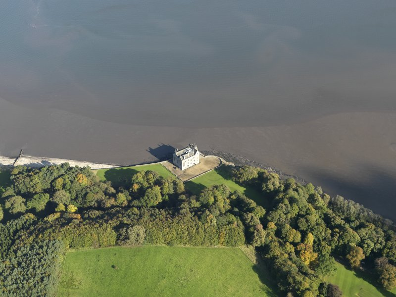 Oblique aerial view centred on the castle, taken from the SSW.