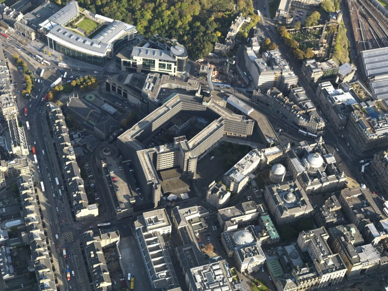 Oblique aerial view centred on the St James Centre, taken from the W.