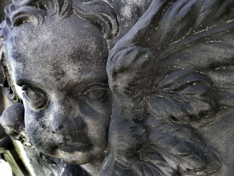 Detail of sculpture on monument in memory of Catherine Finlay (died 27th October 1797) and family.  Located near to the entrance of Calton Old Burial Ground.