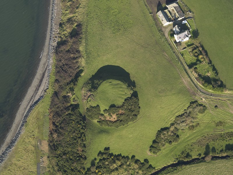 Oblique aerial view centred on the motte, taken from the S.