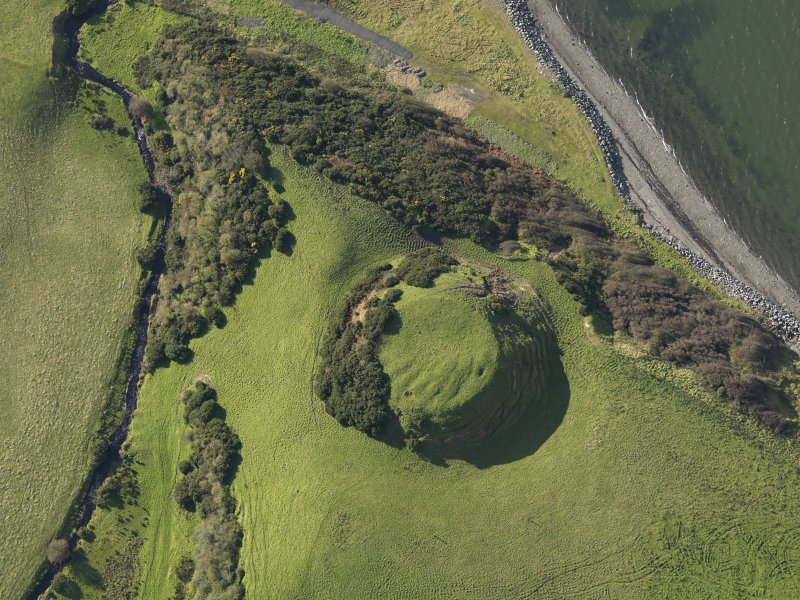 Oblique aerial view centred on the motte, taken from the NE.