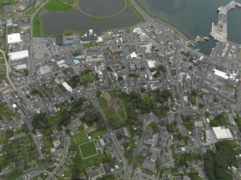General oblique aerial view centred on the Cathedral with the town adjacent, taken from the