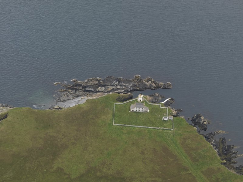 Oblique aerial view centred on the lighthouse, taken from the N.