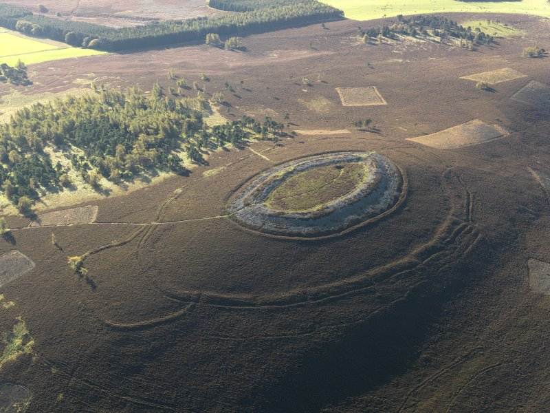 Oblique aerial view centred on the remains of the fort, taken from the N.