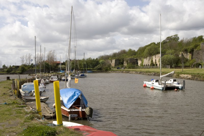 Harbour and limekilns, view from SE