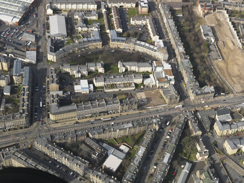 Oblique aerial view centred on Leith Walk, taken from the SE.