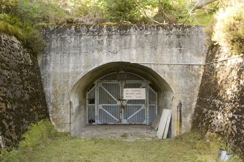 Detail of portal for the piping tunnel.