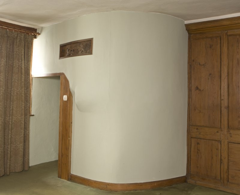 Interior. Entrance room, detail of bowed corner