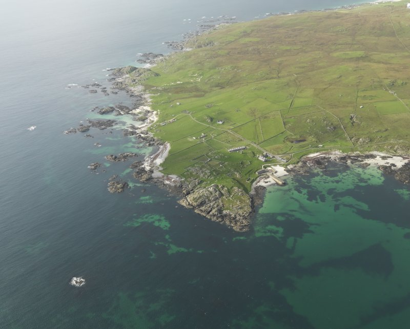 General oblique view centred on Hynish, taken from the NNE.