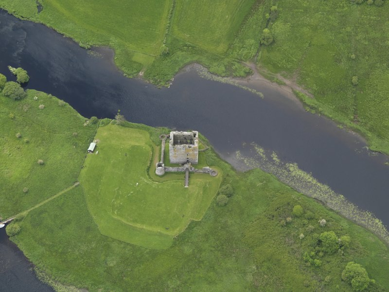 Oblique aerial view of Threave Castle, taken from the NE.