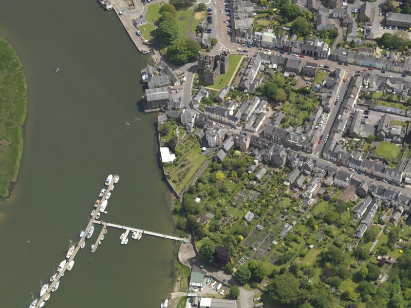 Oblique aerial view of Kirkcudbright centred on Blair House, taken from the W.