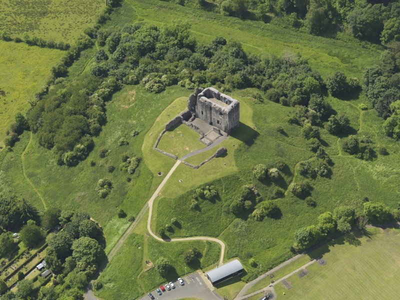 General oblique aerial view of Dundonald Castle, taken from the N.
