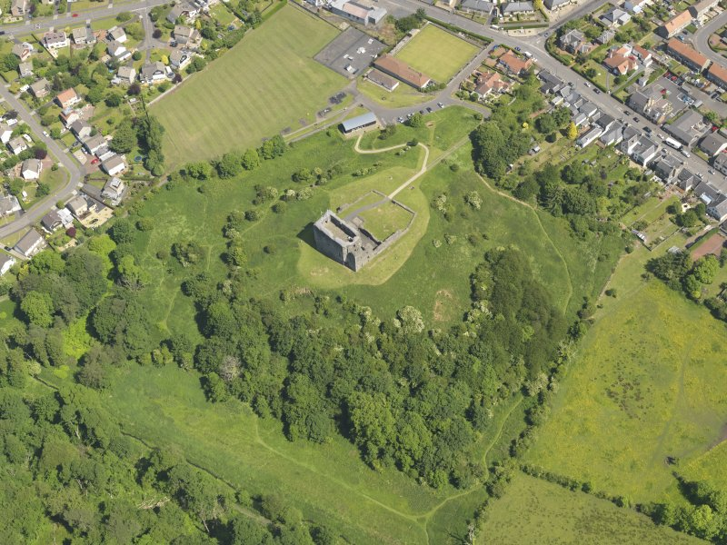 General oblique aerial view of Dundonald Castle, taken from the SW.