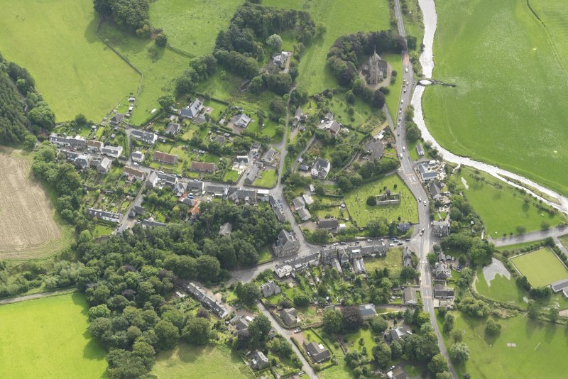General oblique aerial view centred on the village, taken from the N.