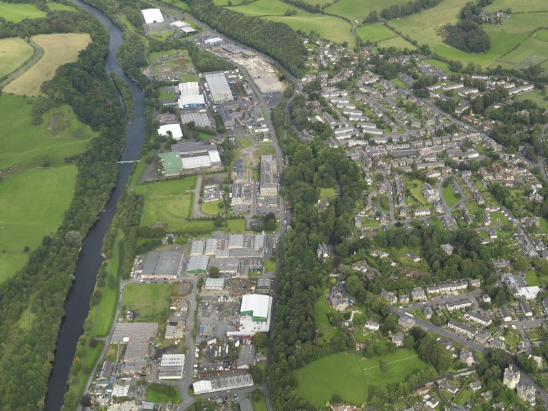 Oblique aerial view centred on the business park, taken from the SW.