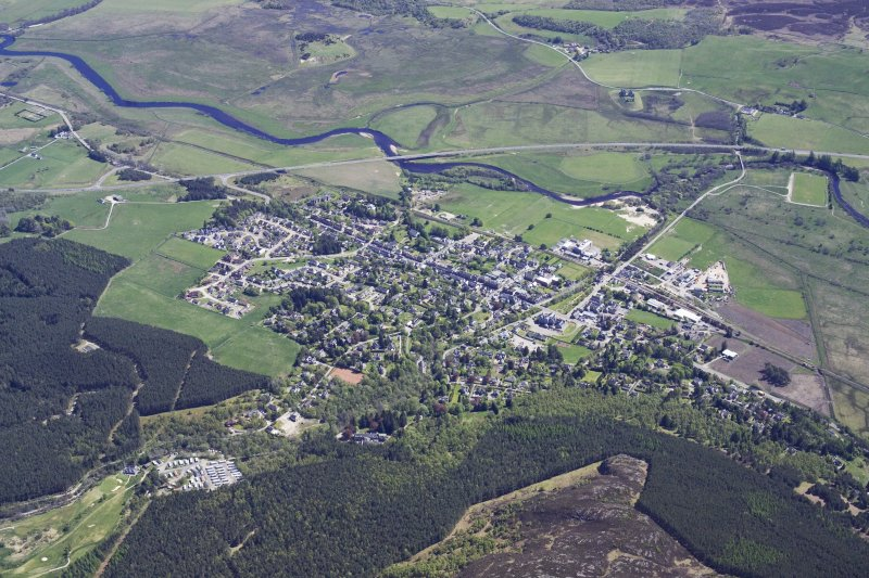 General oblique aerial view of Kingussie, taken from the WNW.
