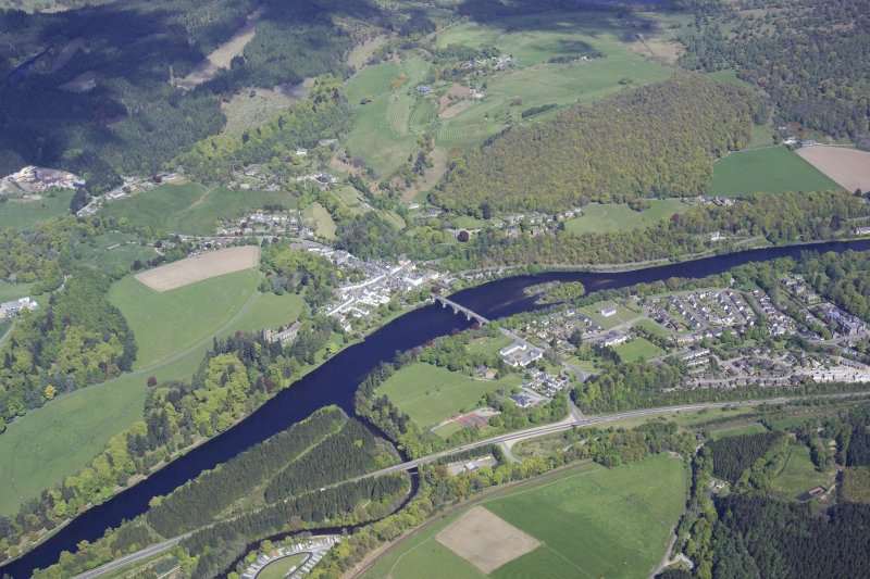 General oblique aerial view of Dunkeld and Birnam, taken from the WSW.