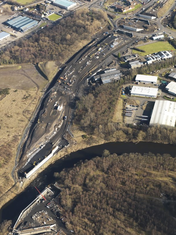 Oblique aerial view of M74 extension centred on the Dalbeth Bridge, leading to the Fullerton Road Junction (NS 6408 6239), taken from the ENE.