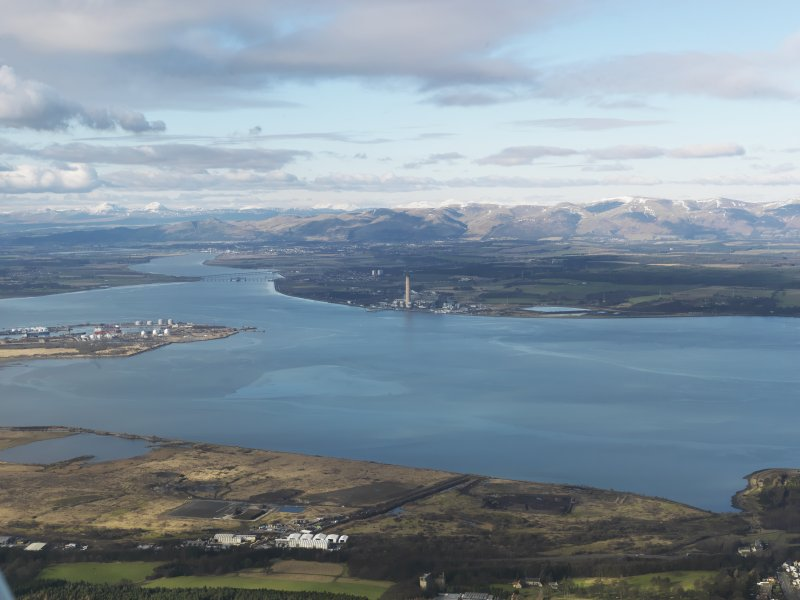 General oblique aerial view of the River Forth centred on Longannet Power Station, taken from the SE.