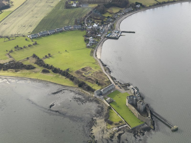 General oblique aerial view centred on Blackness Castle, taken from the ENE.