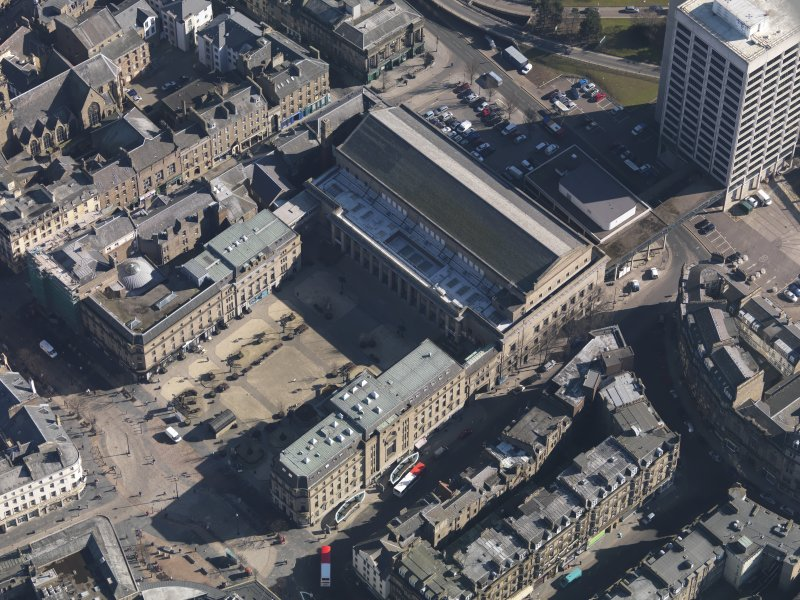Oblique aerial view centred on the Caird Hall, taken from the WNW.
