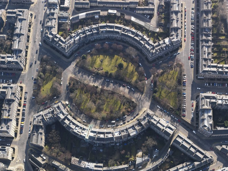Oblique aerial view centred on the Circus, taken from the N.