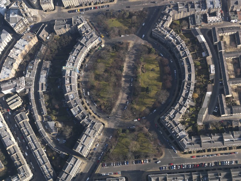 Oblique aerial view centred on the Circus, taken from the W.
