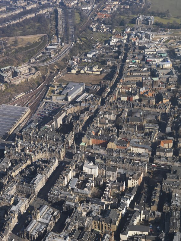 General oblique aerial view centred on the High Street, taken from the WSW.