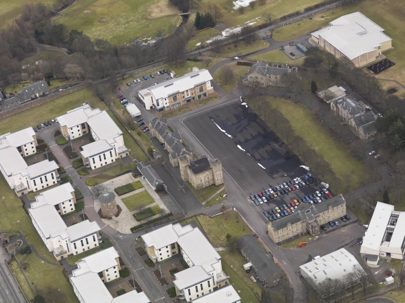Oblique aerial view centred on the barracks, taken from the SW.