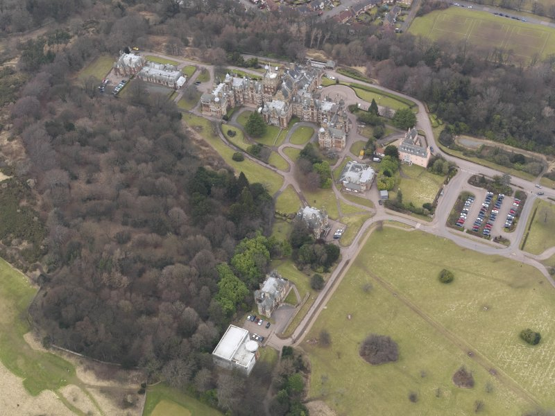 Oblique aerial view centred on the hospital/University, taken from the SE.