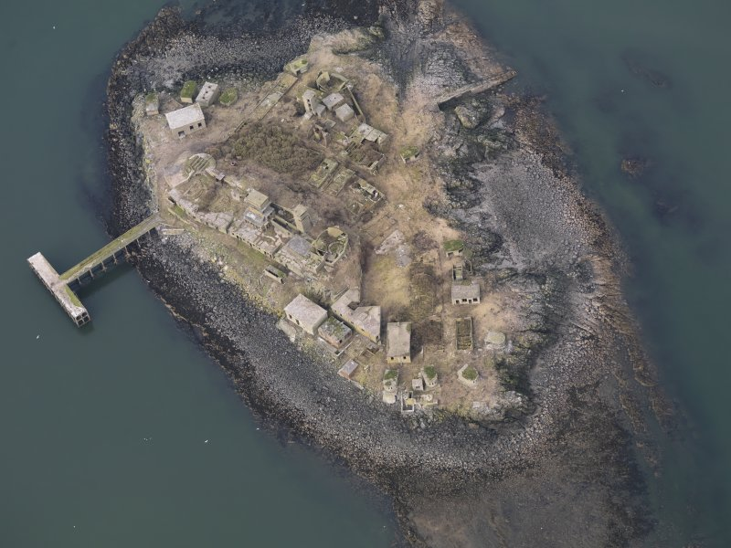 General oblique aerial view centred on the Island, taken from the SSW.