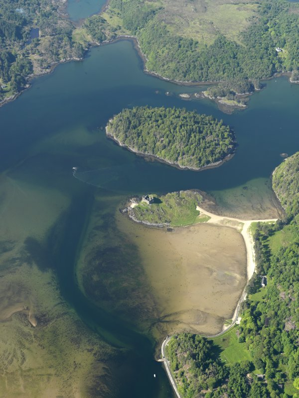 General oblique aerial view centred on Castle Tioram, taken from the S.