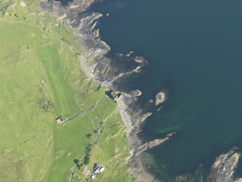 Oblique aerial view of Mingary Castle, taken from the NW.